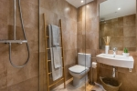 14-BATHROOM-SUNSET-GOLF-DISCOUNT-PROPERTY-CENTER-MARBELLA-1024x683